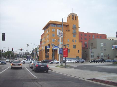 115 E Del Mar Blvd Pasadena far view