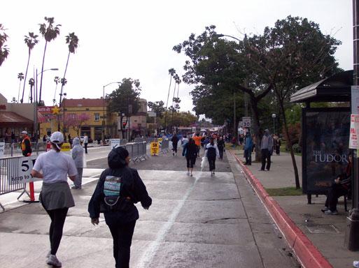 appraoching Pasadena Marathon finish line